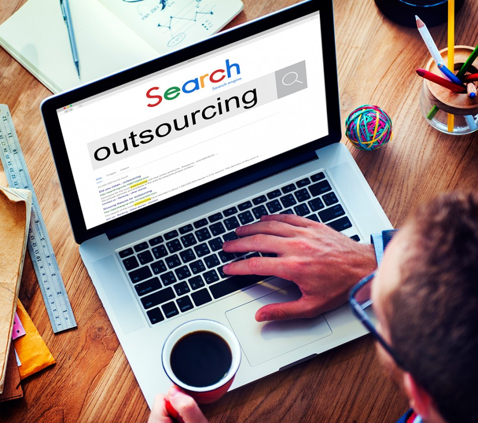 5-factors-to-consider-before-deciding-whether-to-outsource-elearning